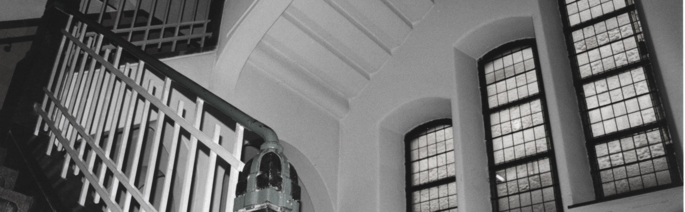 Headafbeelding 2 - Herbestemming oude katholieke school naar Appartementen, Amsterdam - BEELEN CS architecten Eindhoven / Thalliagroep Weert