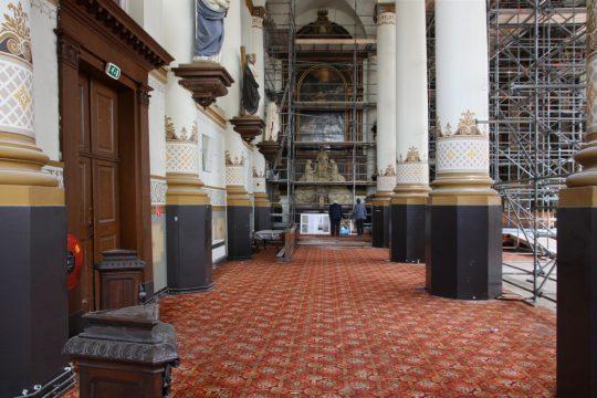 Restauratie zuilengalerij in uitvoering - plan voor mausoleum in de Kerk aan de Lange Haven, Schiedam- BEELEN CS architecten Eindhoven / Thalliagroep Weert