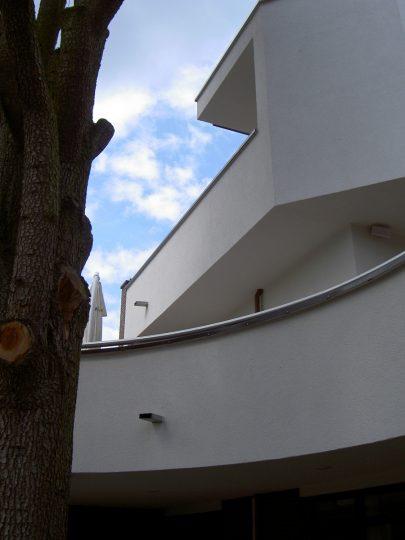 detail terras achterzijde - Woongebouw aan de Emmasingel, Weert   BEELEN CS architecten / Thallia groep Weert - Eindhoven