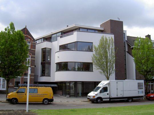 gevelaanzicht voorzijde - Woongebouw aan de Emmasingel, Weert | BEELEN CS architecten / Thallia groep Weert - Eindhoven