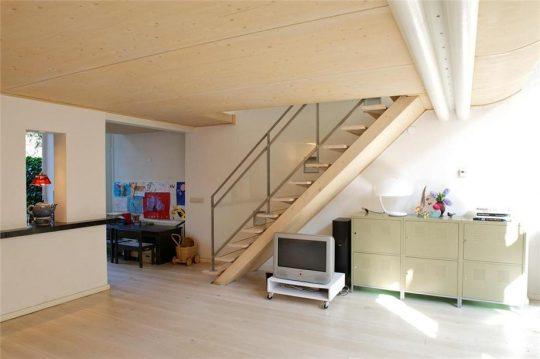 plafond entresolvloer - Herbestemming oude katholieke school naar Appartementen, Amsterdam - BEELEN CS architecten Eindhoven / Thalliagroep Weert
