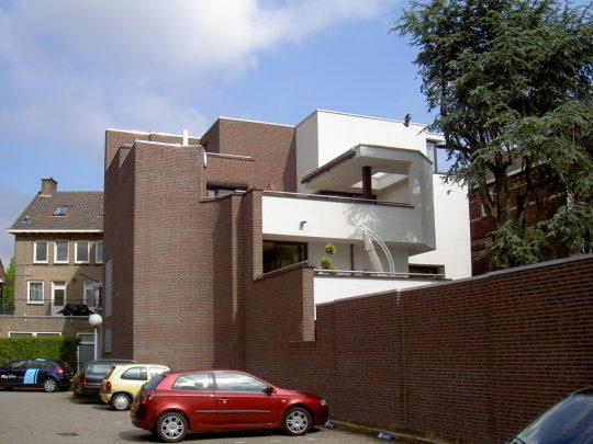 terrassen achterzijde - Woongebouw aan de Emmasingel, Weert - BEELEN CS architecten Eindhoven / Thalliagroep Weert