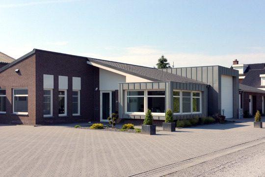 uitbreiding bedrijfspand Houtsberg Leveroy - voorbeeld project - BEELEN CS architecten Eindhoven